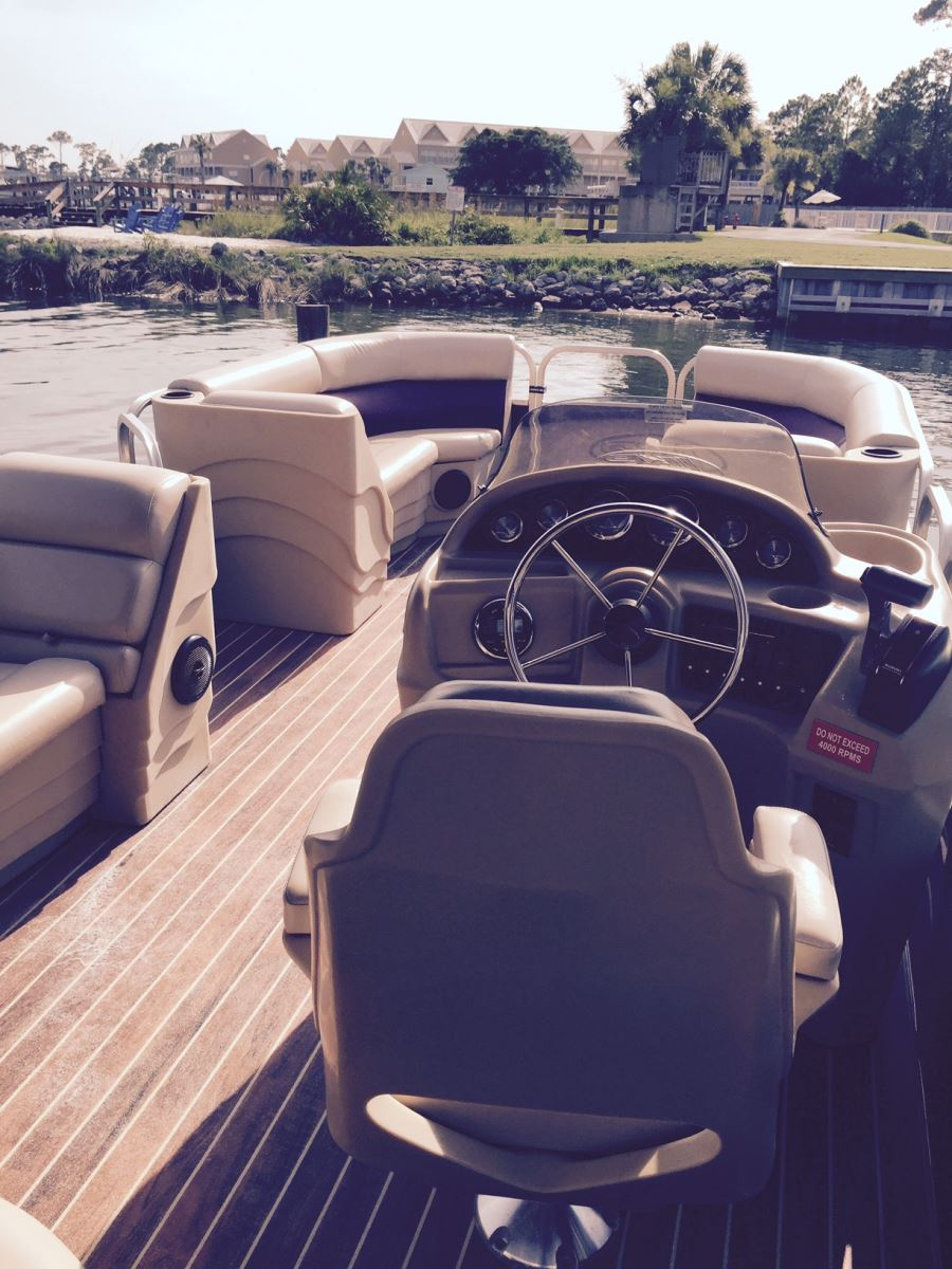26 Blue Pontoon 26 Red Pontoon  Boat Rentals Orange Beach AL. Pontoon Boats With Bathrooms